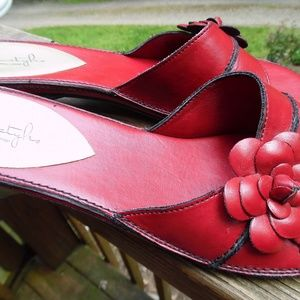 Softstyle red leather sandals